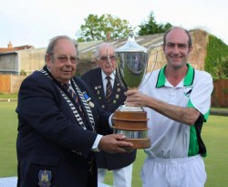 Club Captain Mark Royal winning the Senior Cup Trophy